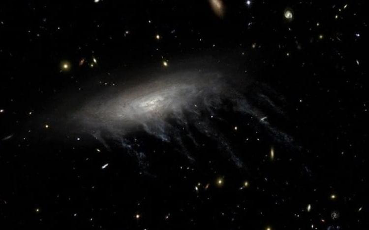Astrônomos descobrem buraco negro invisível