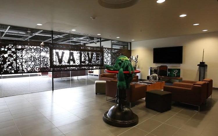 Valve demite 13 funcionários com suposto corte da divisão de hardware VR.