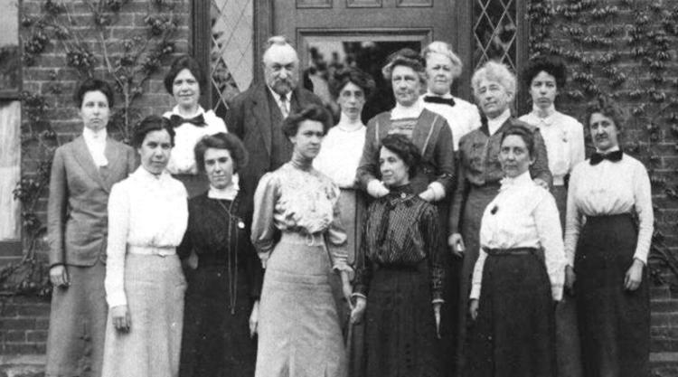 Williamina Fleming e suas colegas