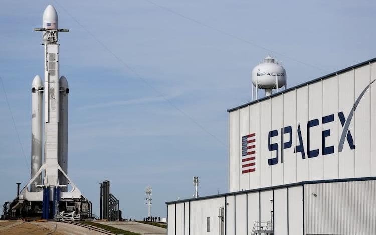 SpaceX realiza testes de escudo térmico que será usado na Spaceship.