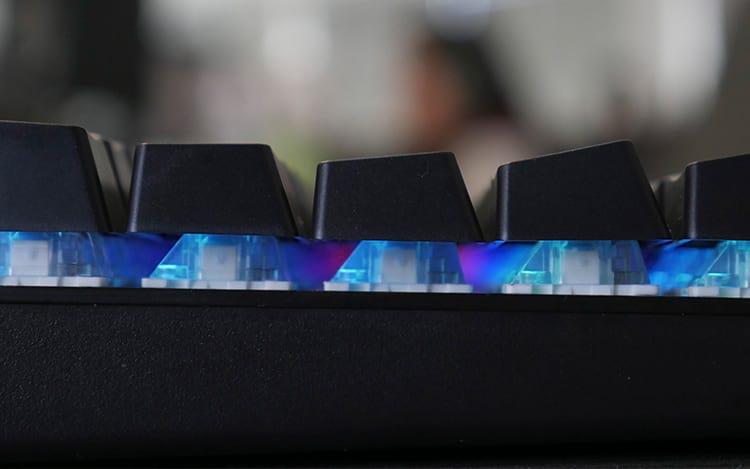 Foto lateral do teclado