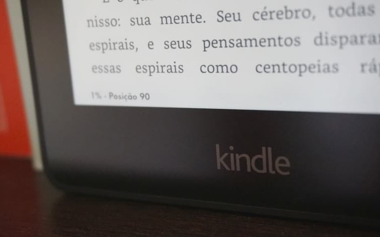Amazon revela Kindle com tela iluminada