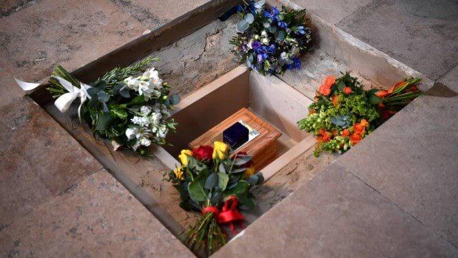 Enterro das cinzas de Stephen Hawking