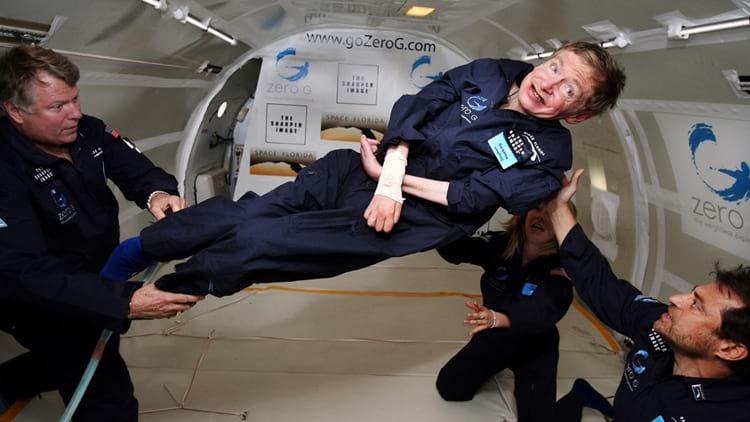Hawking comemorou seu 65º aniversário com uma viagem no avião de gravidade zero da NASA.
