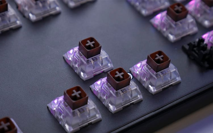 Switches Kailh Brown instalados