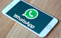 WhatsApp testa modo noturno e bloqueio do app por digital