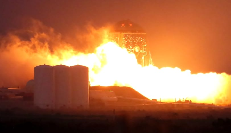 SpaceX: Veículo espacial Starhopper realiza primeira viagem.