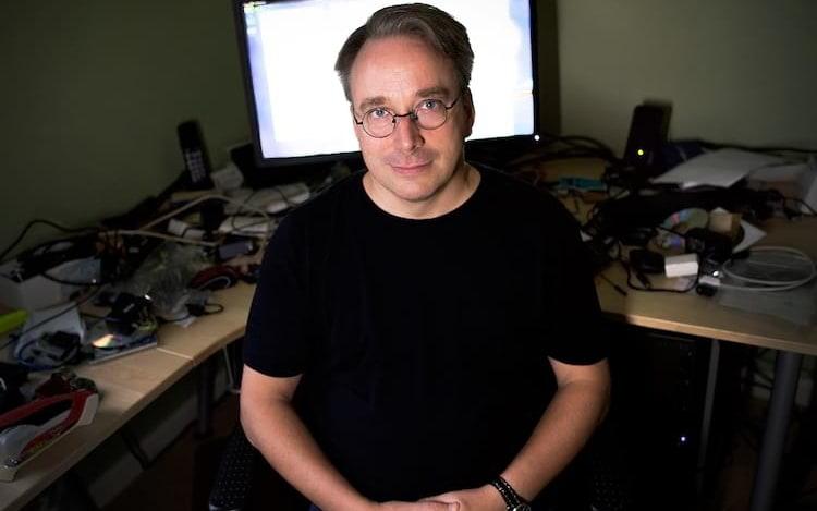 Criador do Linux diz que redes sociais são doenças dos tempos modernos.