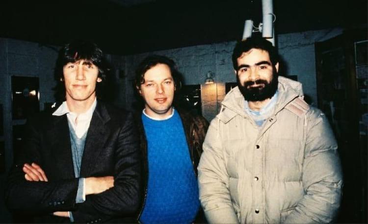 Da esquerda para a direita, Roger Waters e David Gilmour (Pink Floyd) com Hugo Zuccarelli