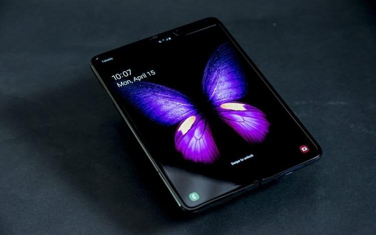 Samsung Galaxy Fold é liberado para vendas no Brasil