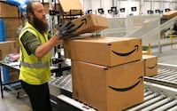 Amazon diz estar a década de distância de desenvolver armazém de envio automatizado