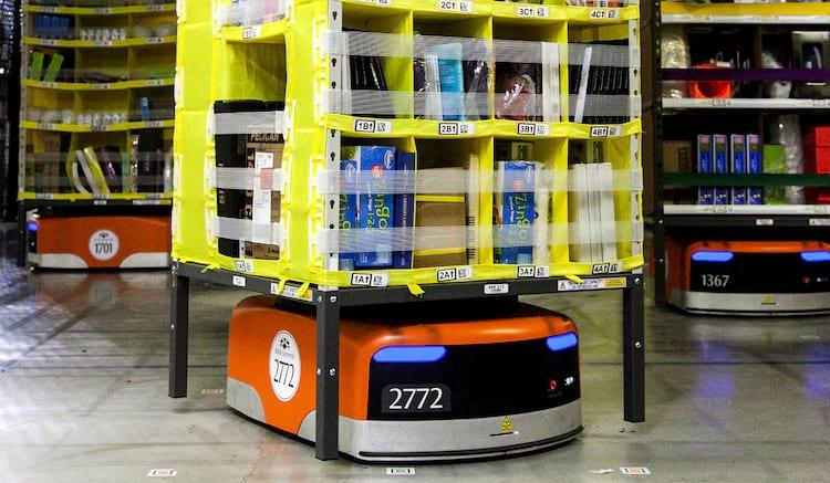 Amazon já conta com alguns robôs em seus armazéns - os chamados drives