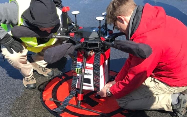 Drone consegue transportar rim para cirurgiões nos EUA pela primeira vez
