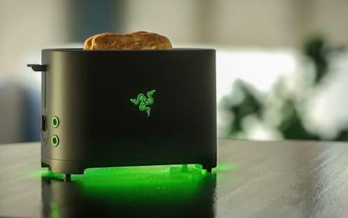 Após mais 5 anos de pedidos dos fãs, Razer vai lançar torradeira