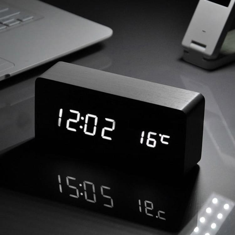 Design semelhante a um relógio de cabeceira