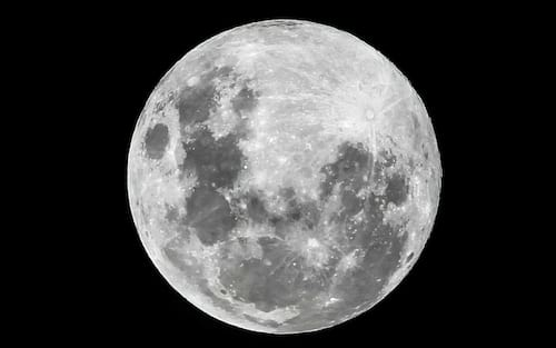 Estudo da NASA indica que Lua está encolhendo e sofrendo com abalos sísmicos