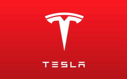 Carro da Tesla pega fogo em estacionamento de Hong Kong