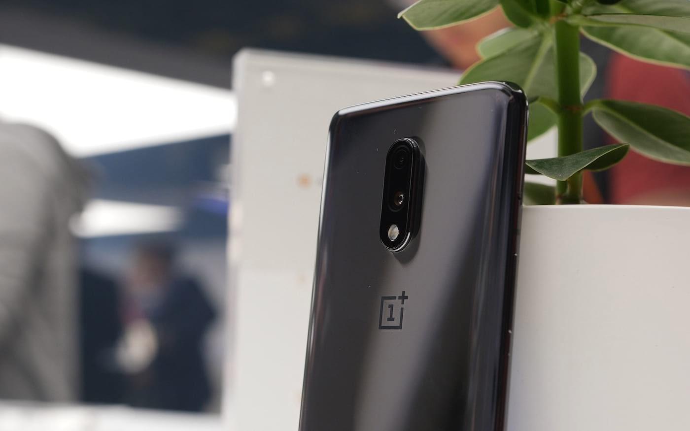 OnePlus 7 e OnePlus 7 Pro são alvos de crítica da ASUS e Xiaomi