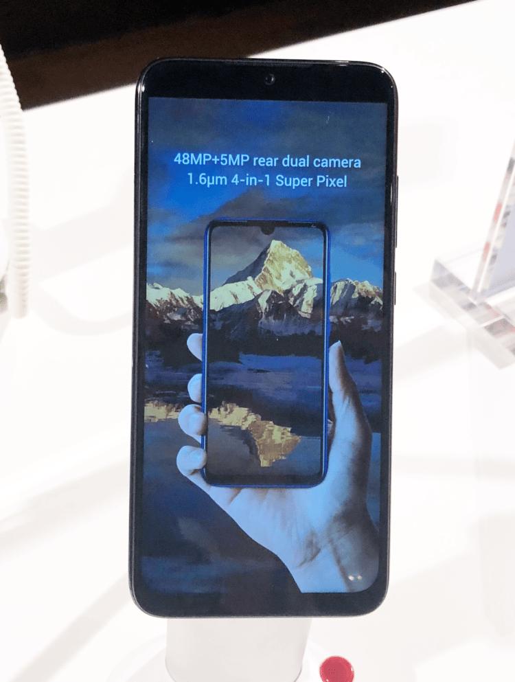 Redmi Note 7 se destaca por suas câmeras traseiras, sendo o sensor principal de 48MP e o secundário de 5MP.