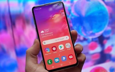 Samsung libera atualização para linha Galaxy 10 com melhoras no modo noturno
