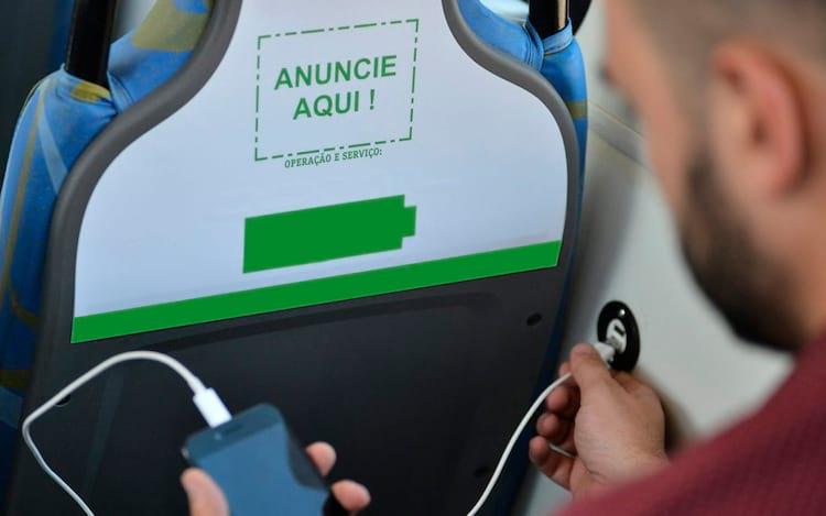 Estações de carga USB pública e em transportes públicos podem oferecer riscos à segurança