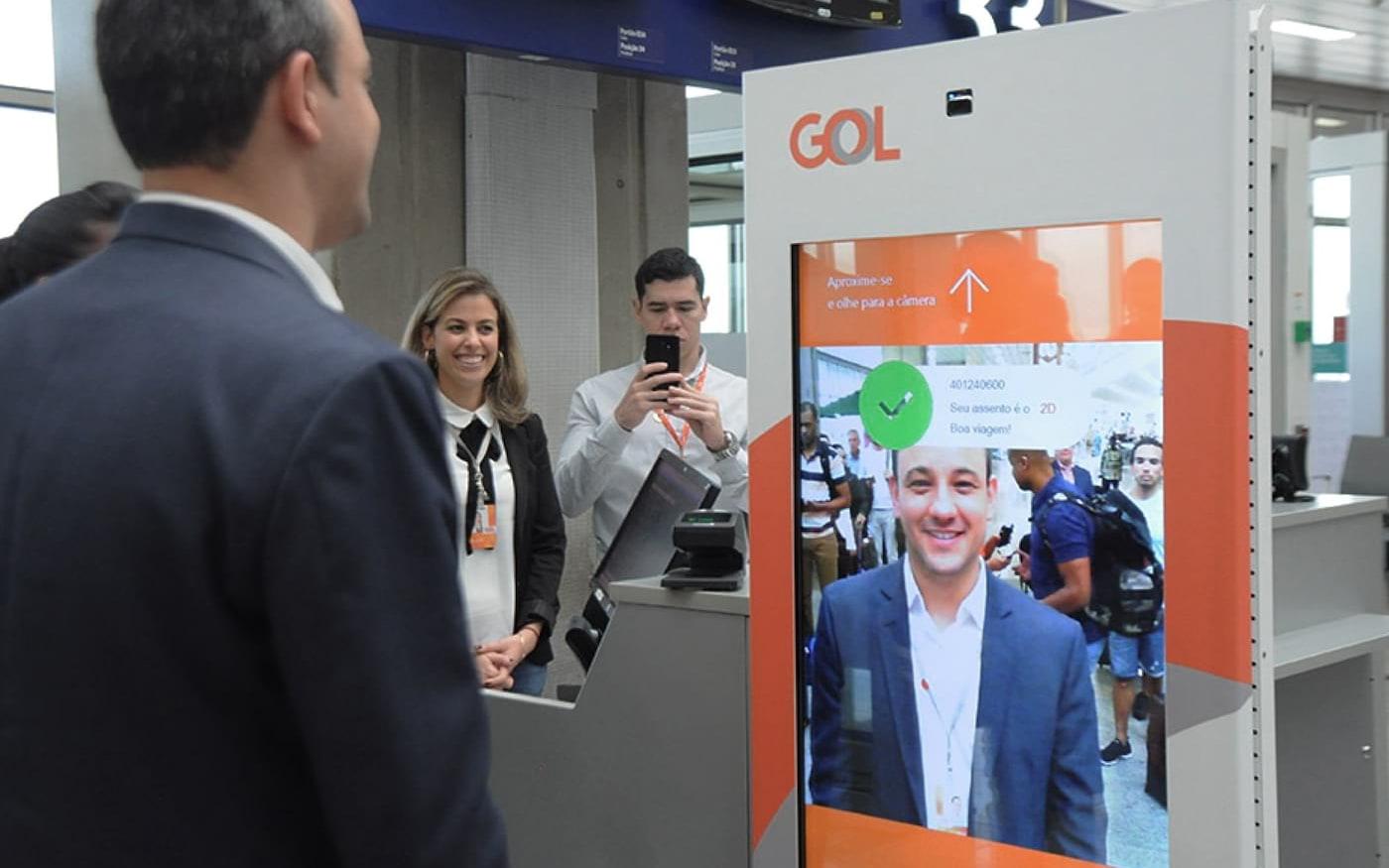 Gol inaugura sistema de biometria facial para embarque