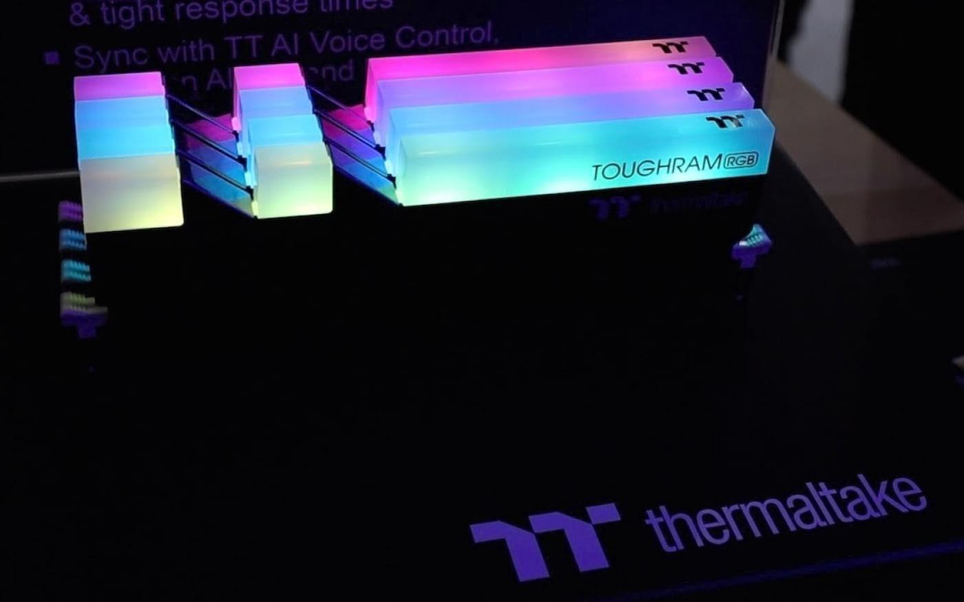 Thermaltake anuncia memórias DDR4 ToughRAM com e sem RGB em diferentes velocidades