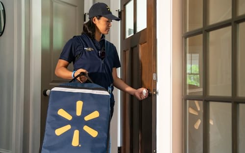 Funcionários do Walmart em breve entregarão mantimentos diretamente em sua geladeira