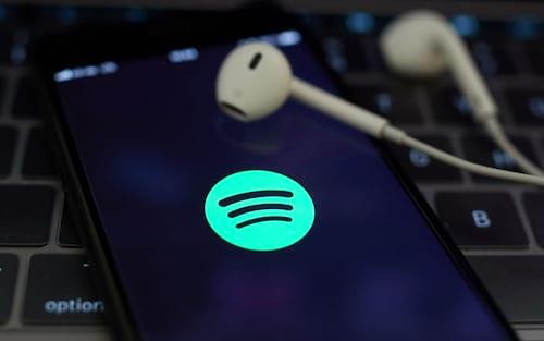 O Spotify está oficialmente separando podcasts e músicas em bibliotecas de usuários premium