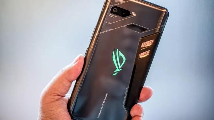 Primeira geração do smartphone gamer da Asus