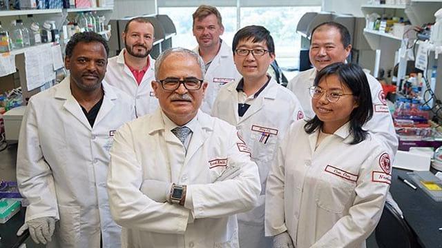 Grupo de pesquisadores dos EUA responsável pela descoberta de um tratamento efetivo contra o vírus do HIV.