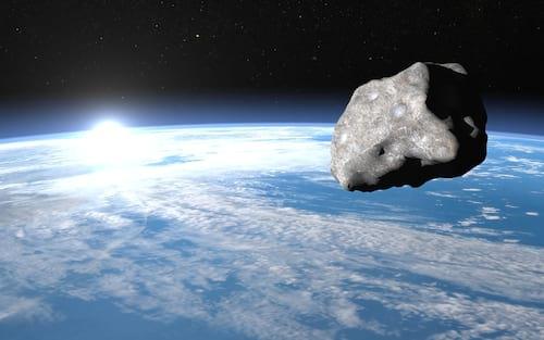 """Asteróide FT3 em Outubro vai passar """"meio longe"""" da Terra"""