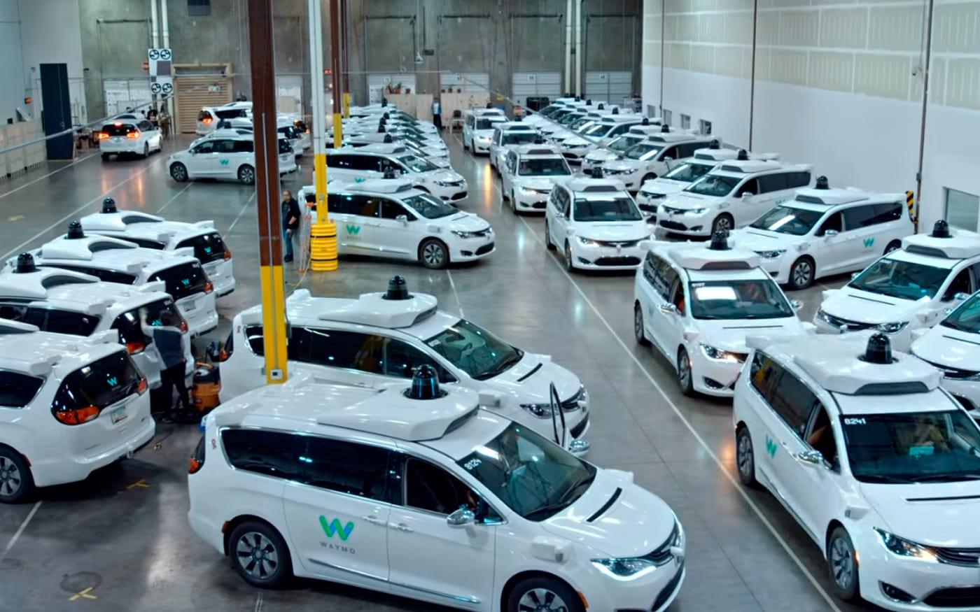 Waymo testa Wi-Fi em táxis sem motorista esperando por vantagens que podem ultrapassar rivais