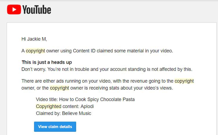 Youtubers recebem mensagens da empresa quando são acusados de violar direitos autorais. No entanto, antes dessa atualização por parte da empresa, o trecho onde ocorria a violação não era especificado.