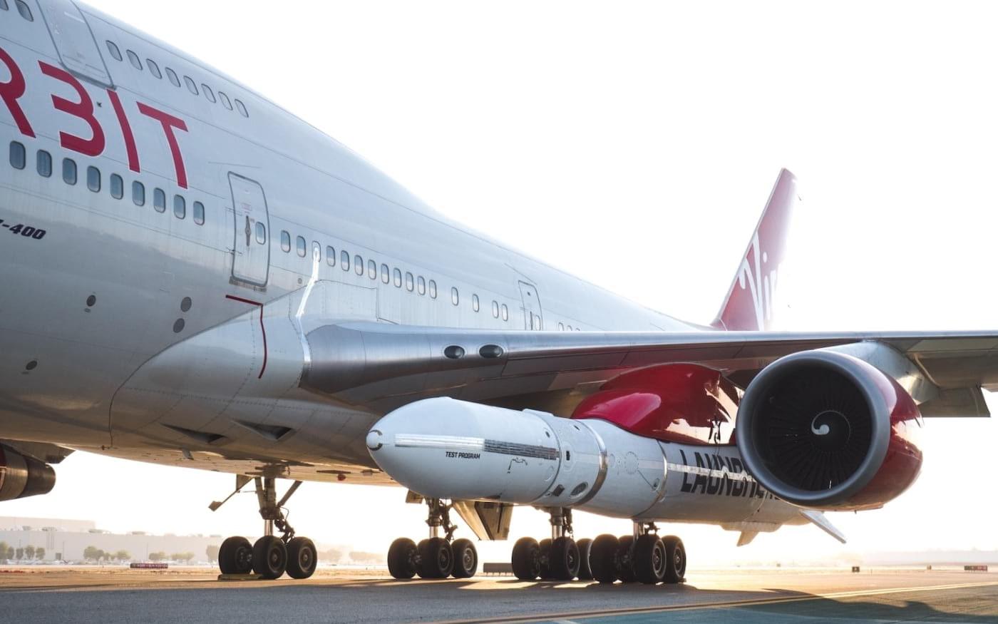 Boeing 747 da Virgin Orbit lança foguete sobre a Califórnia durante teste de voo crucial