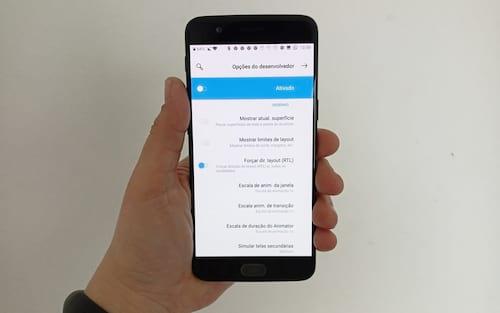 Como ativar o layout para canhotos no Android?