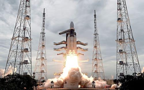 Índia lança com sucesso a sonda não tripulada Chandrayaan-2 com destino à Lua