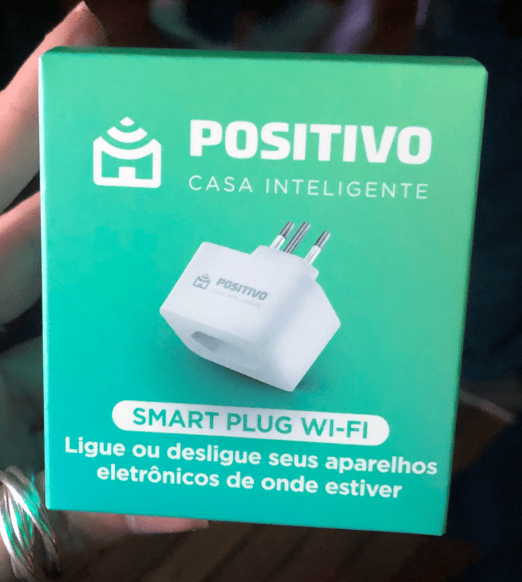 Smart Plug Wi-Fi da Positivo.