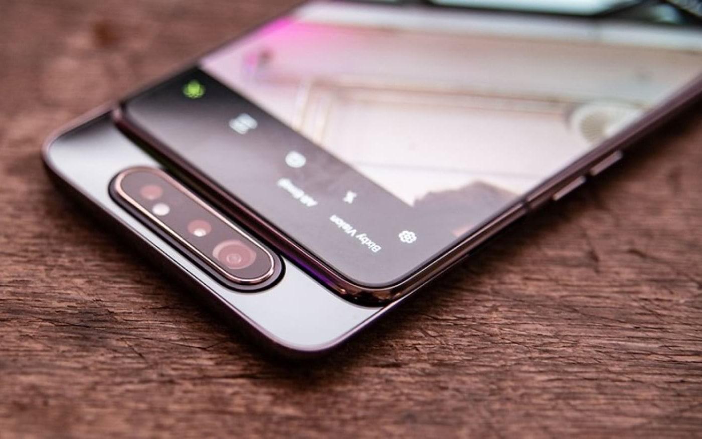 Samsung Galaxy A80 corrige foco para selfies com nova atualização