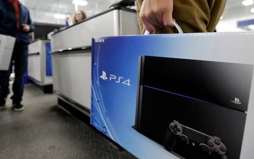 Playstation 4 bate recorde e é o console mais vendido, em menos tempo, da história pela Sony