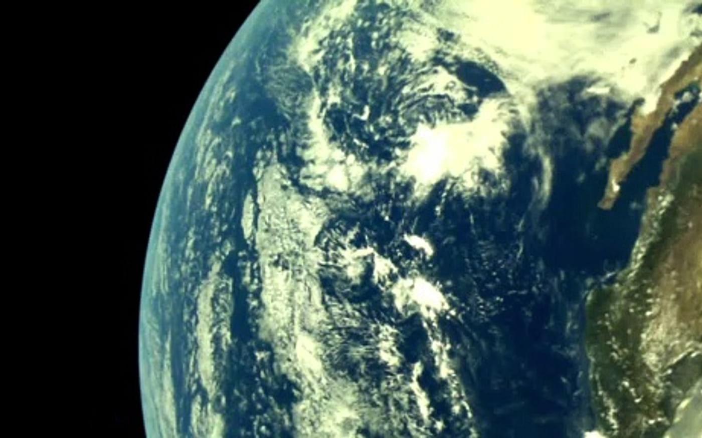 Sonda indiana Chandrayaan 2 captura fotos da curvatura da Terra a 5000 km de altitude