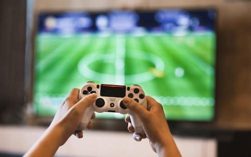 Bolsonaro assina decreto que reduz imposto sobre jogos