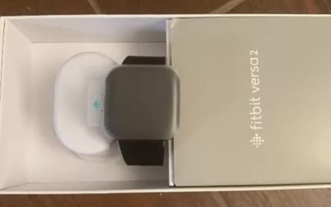 Novo Fitbit Versa 2 deve ter tela OLED curva, integração com Spotiy e Alexa