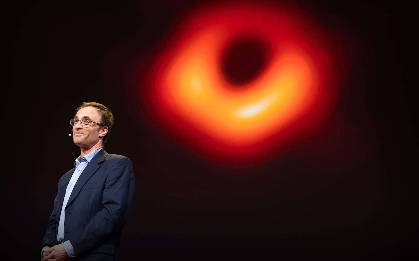 Cientistas que fotografaram buraco negro levam prêmio Breakthrough de US$ 3 milhões