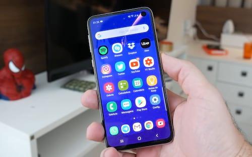 Review - Samsung Galaxy S10e: Por que é o preferido de muitos?