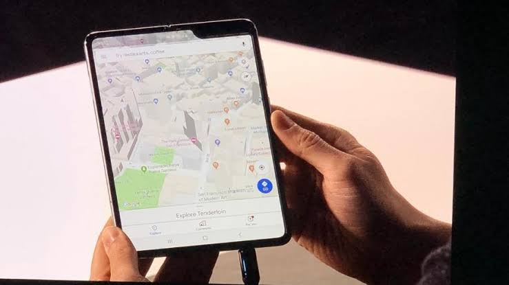 Galaxy Fold com Google Maps