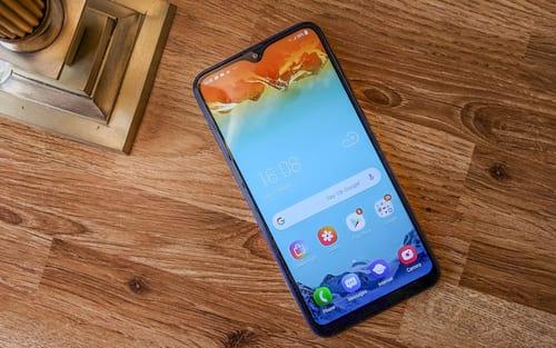 Galaxy M10s aparece com especificações completas, com tela AMOLED e bateria 4,000 mAh