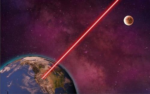 Laser ultra-tecnológico poderia rasgar o tecido do espaço-tempo
