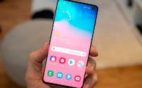 Samsung Galaxy S10 recebe atualização trazendo novos recursos para rivalizar com o Apple iPhone 11