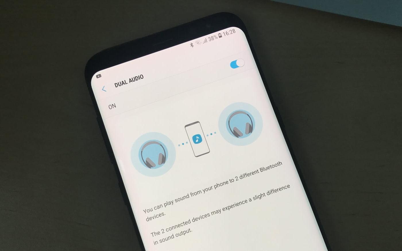 Como conectar dois fones de ouvido ou caixas a um mesmo smartphone via Bluetooth